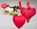 Fotomontaje de amor con hermosos corazones
