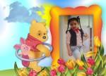 Este es el mejor marco para fotos con Winnie Pooh para una tarjeta infantil